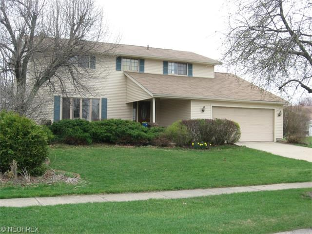 16507 South Red Rock Dr, Strongsville, OH 44136
