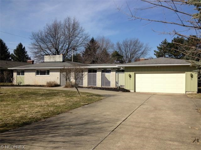 9758 Broadview Rd, Broadview Heights, OH 44147
