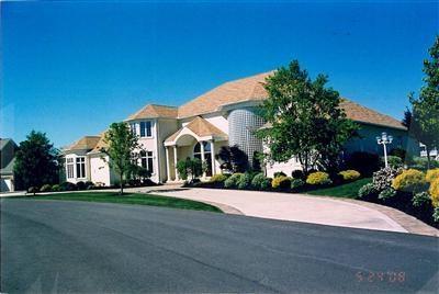 877 Crosstree Ln, Sandusky, OH 44870