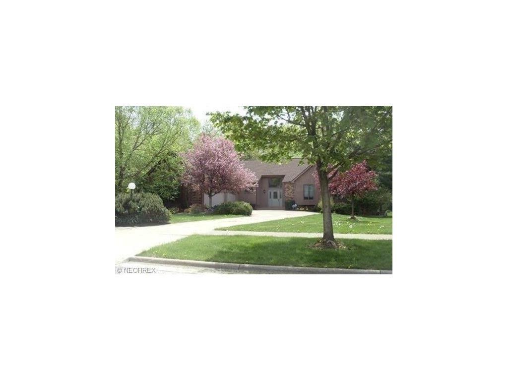 6640 Westview Dr, Brecksville, OH 44141