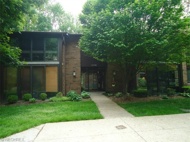 22958 Maple Ridge Rd, North Olmsted, OH 44070