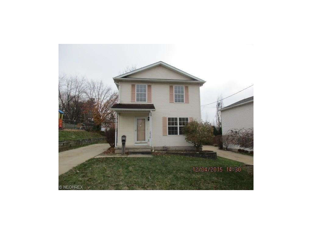 2526 Leland Ave, Akron, OH 44312