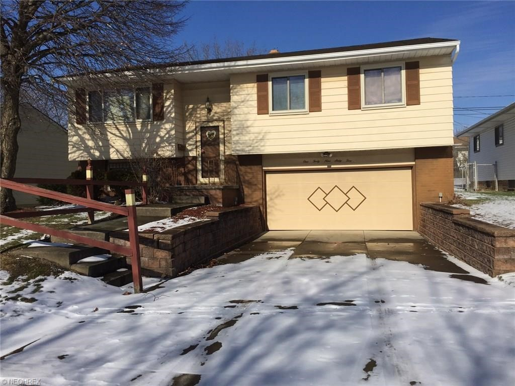 14965 Rochelle Dr, Maple Heights, OH 44137