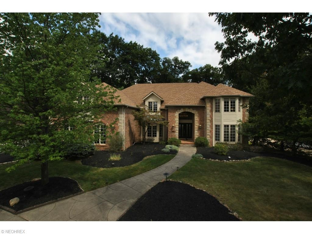 164 Countryside Dr, Broadview Heights, OH 44147