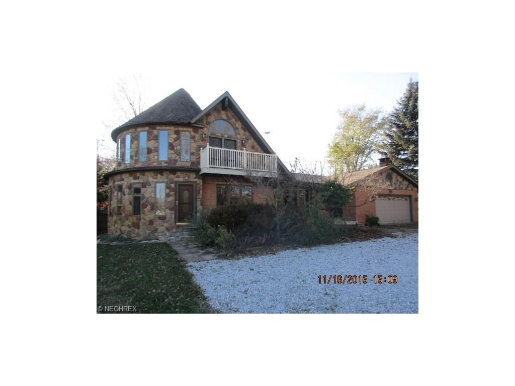 150 Clement Ave, New Franklin, OH 44319