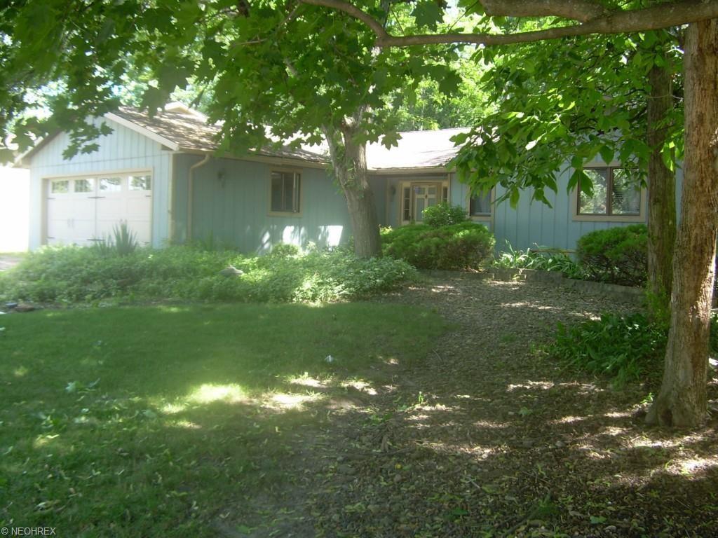20351 Sandalwood Ln., Strongsville, OH 44149