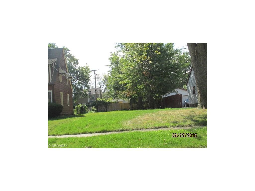 3382 Spangler Rd, Cleveland Heights, OH 44112