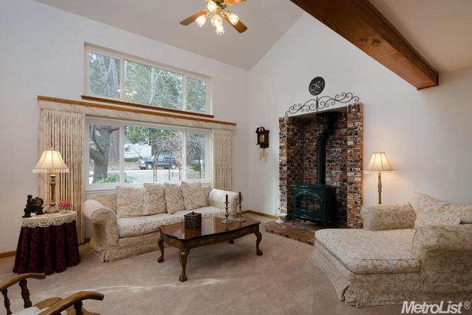 3180 Castlewood Circle, Pollock Pines, CA 95726