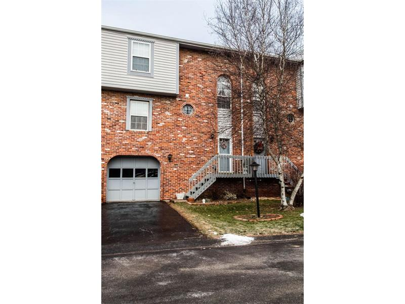 512 Carters Grove Drive, Richland, PA 15044
