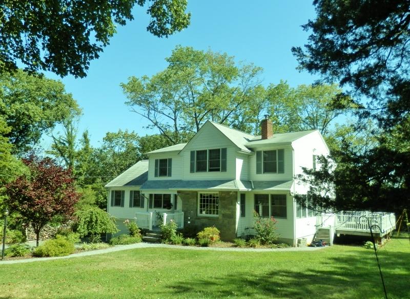 81 Chapel Hill Rd, Lincoln Park Boro, NJ 07035