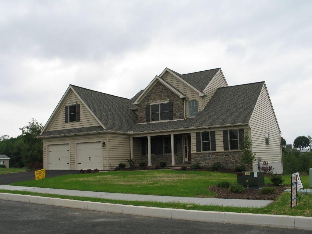 313 West View Drive #16, Akron, PA 17501