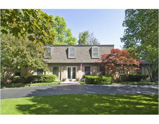 200 Manor Drive, Deerfield, IL 60015