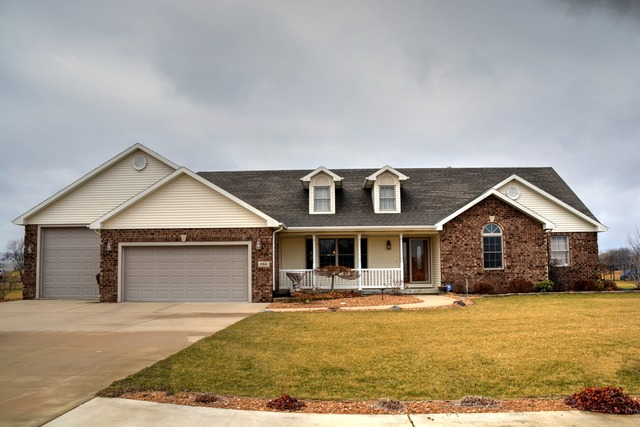 984 East Beth Drive, St. Anne, IL 60964