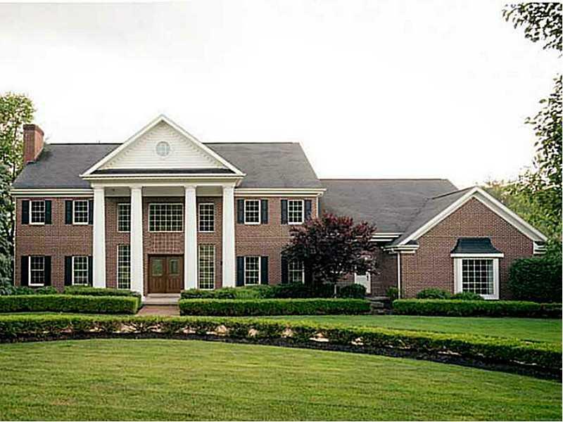 1652 Blackburn Heights, Ohio Twp, PA 15143