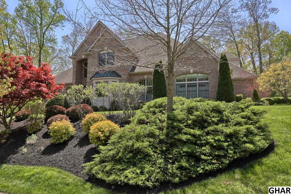 611 Meadow Rose Court, Hummelstown, PA 17036