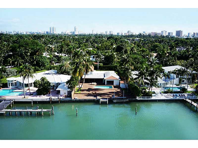 2122  Bay Av, Miami Beach, FL 33140