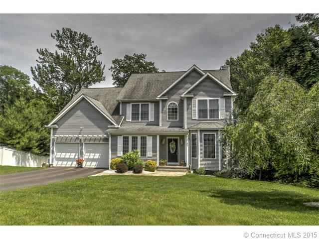 5  Woodland Walk, Derby, CT 06418