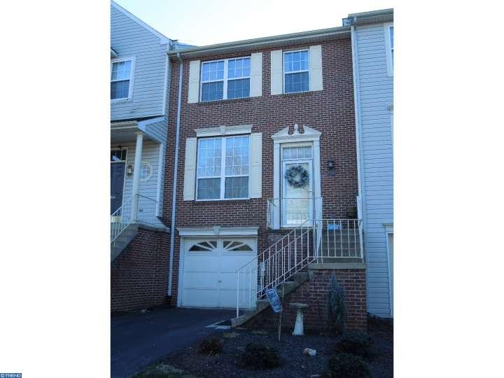 858 N Waterford Ln, Wilmington, DE 19808