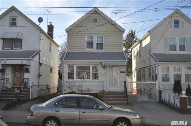 93-32 213th St, Queens Village, NY 11428
