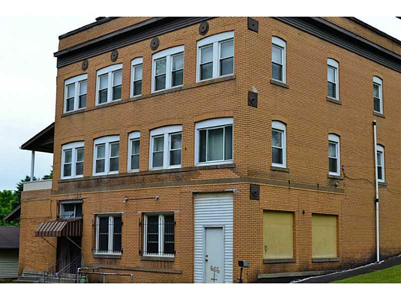 28 Broadway Street, Burgettstown Boro, PA 15054