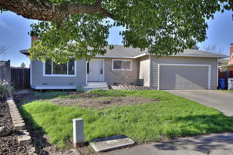 1825 Cody Court, Santa Rosa, CA 95403