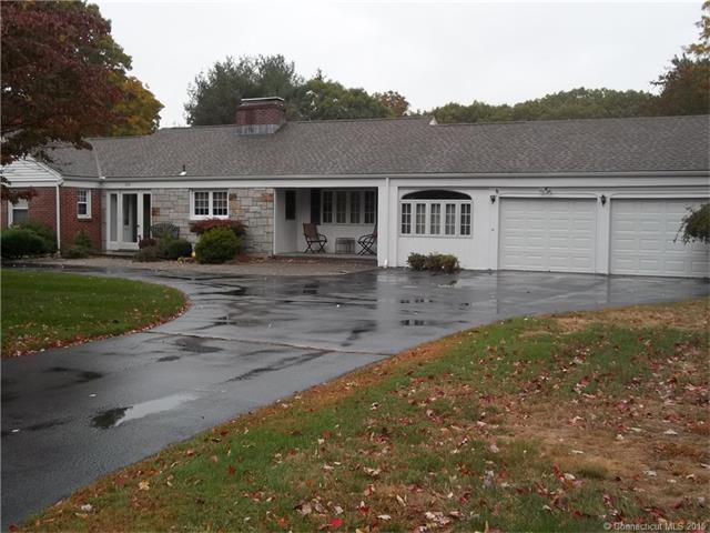 820  Hollyhock Ln, Orange, CT 06477