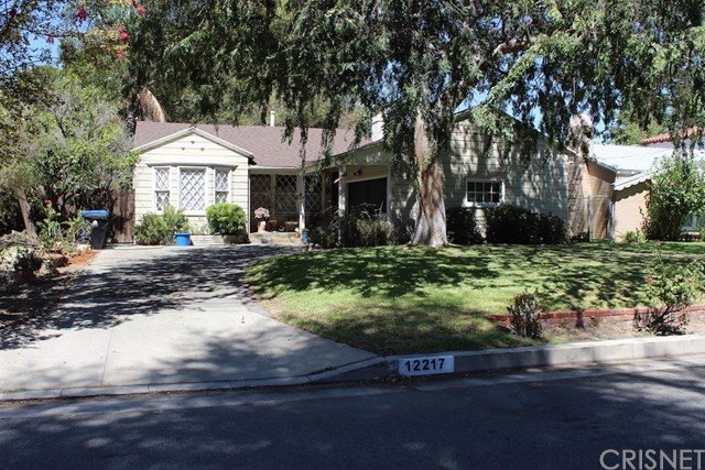 12217 Califa Street, Valley Glen, CA 91607