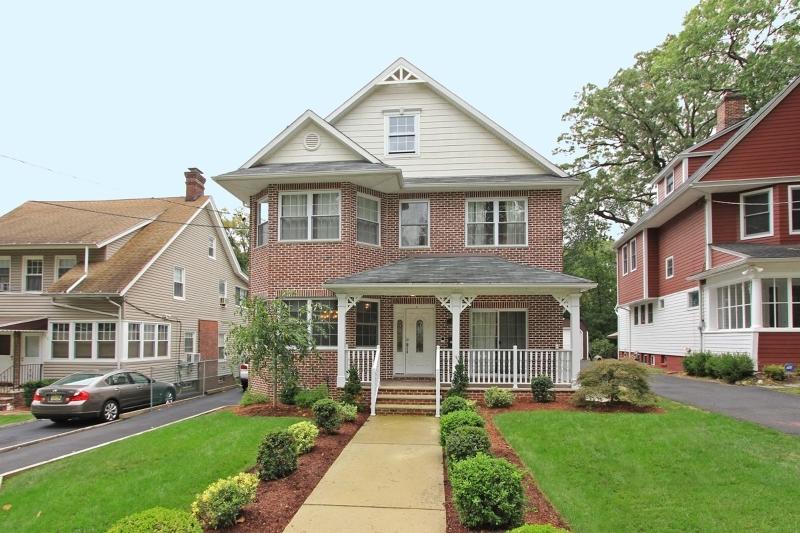 34 Hazelwood Rd, Bloomfield Twp., NJ 07003