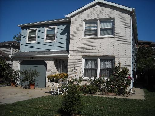 9762 West Ivanhoe Avenue, Schiller Park, IL 60176