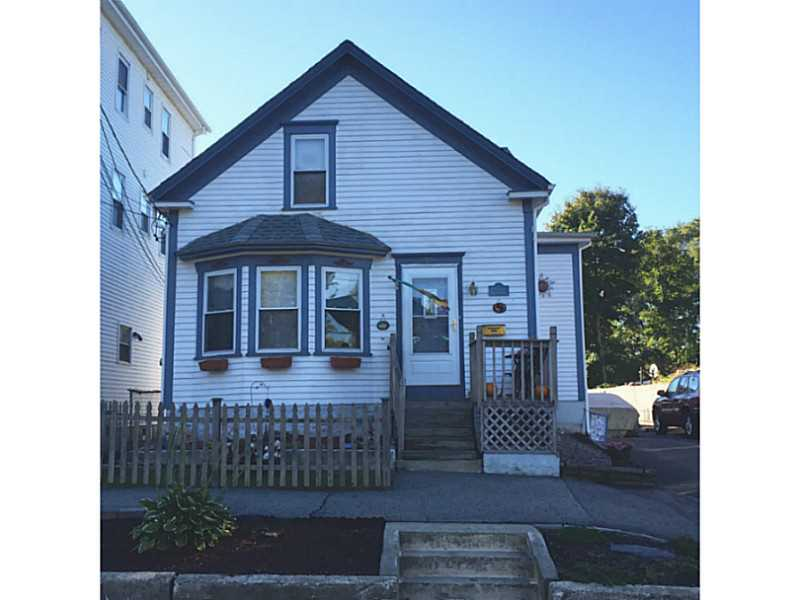 22 Mount Hope Av, Bristol, RI 02809