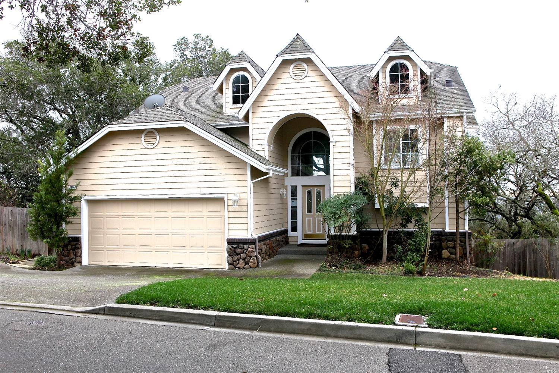 2014 Gardenview Place, Santa Rosa, CA 95403