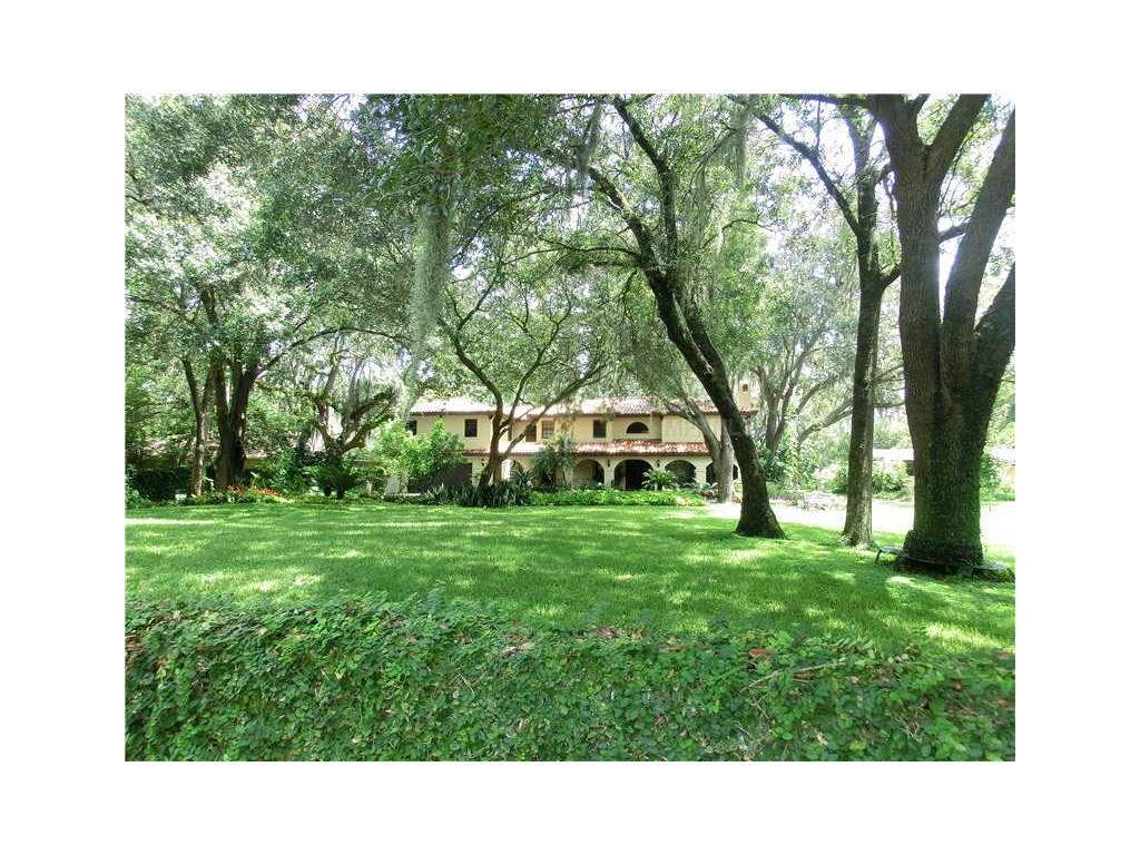 12103 Brightwater Blvd, Temple Terrace, FL 33617