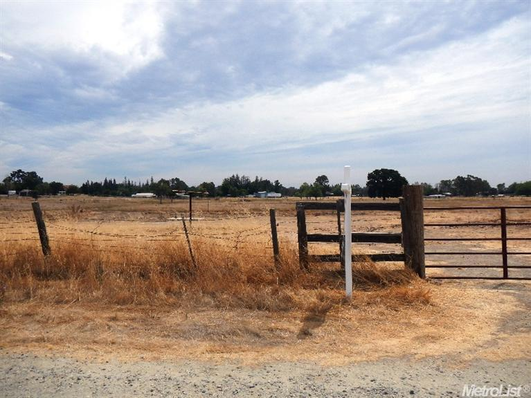 9451 Magos Road, Wilton, CA 95693