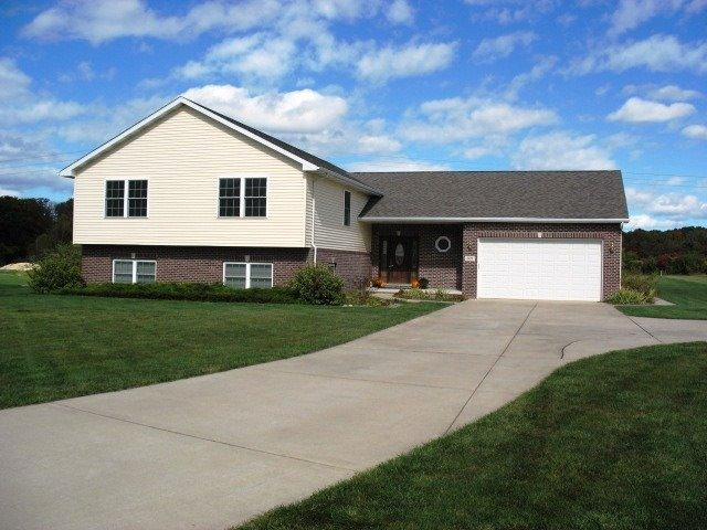 507 Carriage Lane, Westville, IN 46391