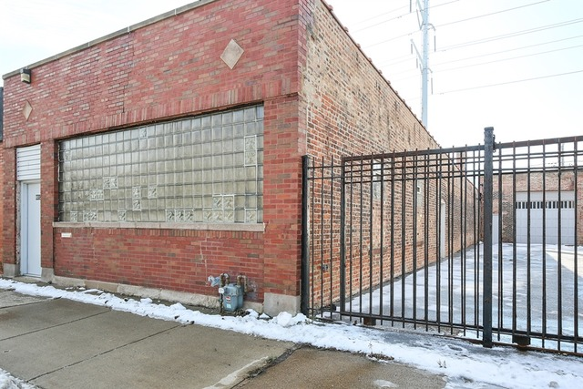 8012 South South Chicago Avenue, Chicago, IL 60617