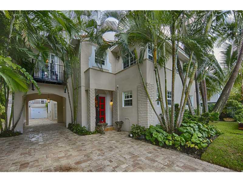 2059 N Bay Rd, Miami Beach, FL 33140