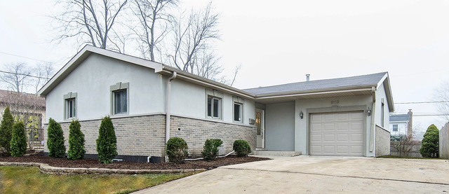 9113 South 88th Court, Hickory Hills, IL 60457