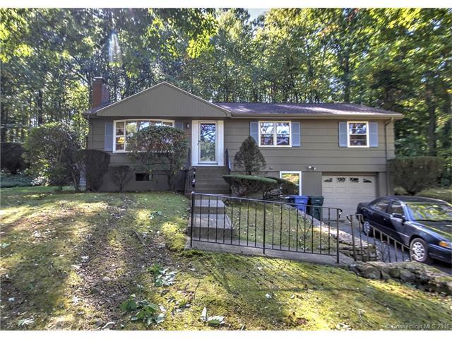 718  West Woods Rd, Hamden, CT 06518