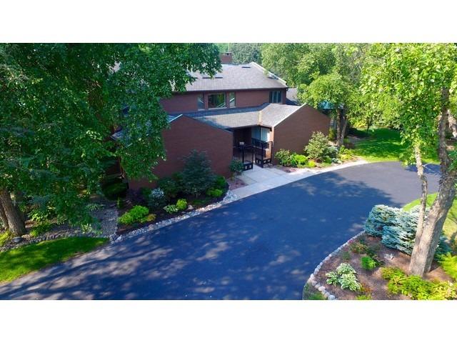 3017 Heritage Oaks Lane, Oak Brook, IL 60523