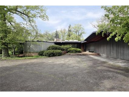 1021 Lake Cook Road, Highland Park, IL 60035