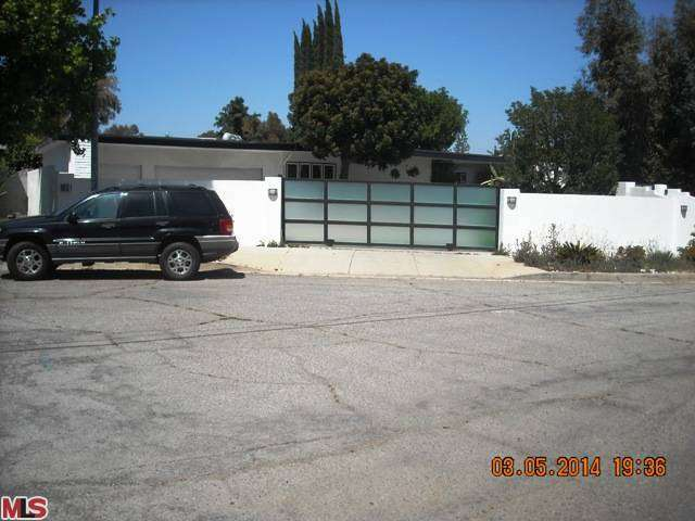 17201 Albers St, Encino, CA 91316
