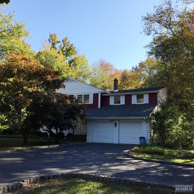 76 Hickory Ln, Closter, NJ 07624