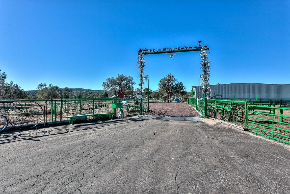 4712 N Double A Ranch Road, Ash Fork, AZ 86320