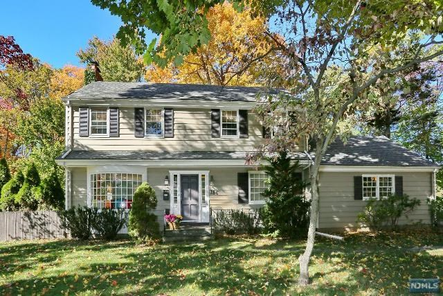 186 Brookside Ave, Allendale, NJ 07401
