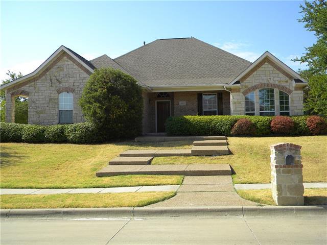 8955  Reata Place Trail, Benbrook, TX 76126