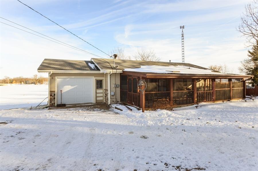 W5005  County Road S, Oak Grove, WI 53032
