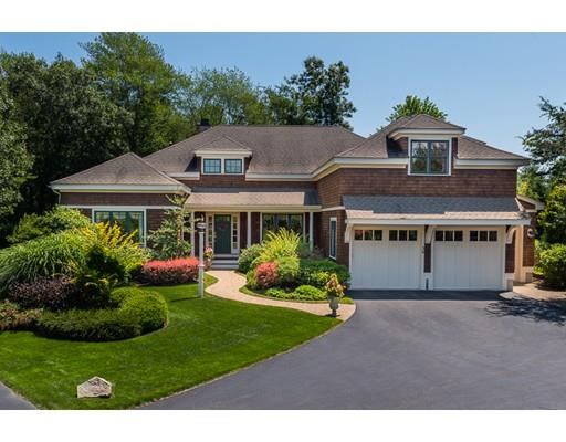 36 Clubhouse Dr, Hingham, MA 02043