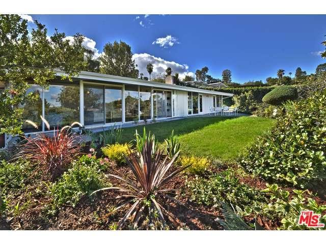 3451 Lisa Pl, Sherman Oaks, CA 91403