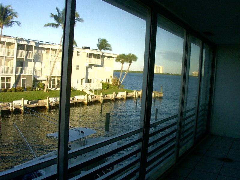 100 Wettaw Lane, North Palm Beach, FL 33408