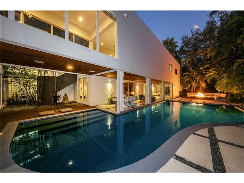 4980  Pine Dr, Miami, FL 33143